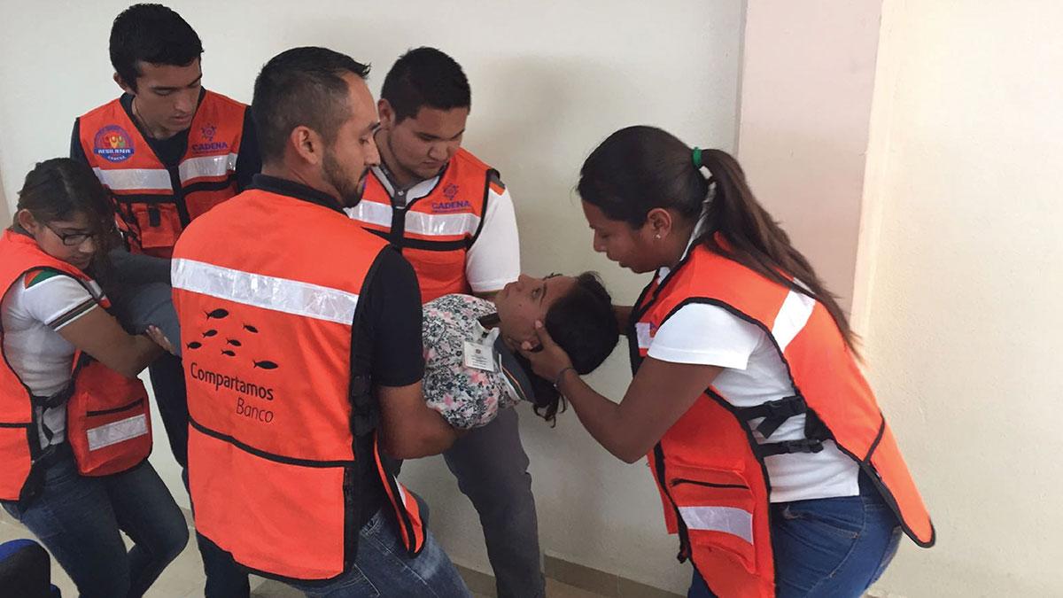 CADENA y civiles participan en un taller de primeros auxilios