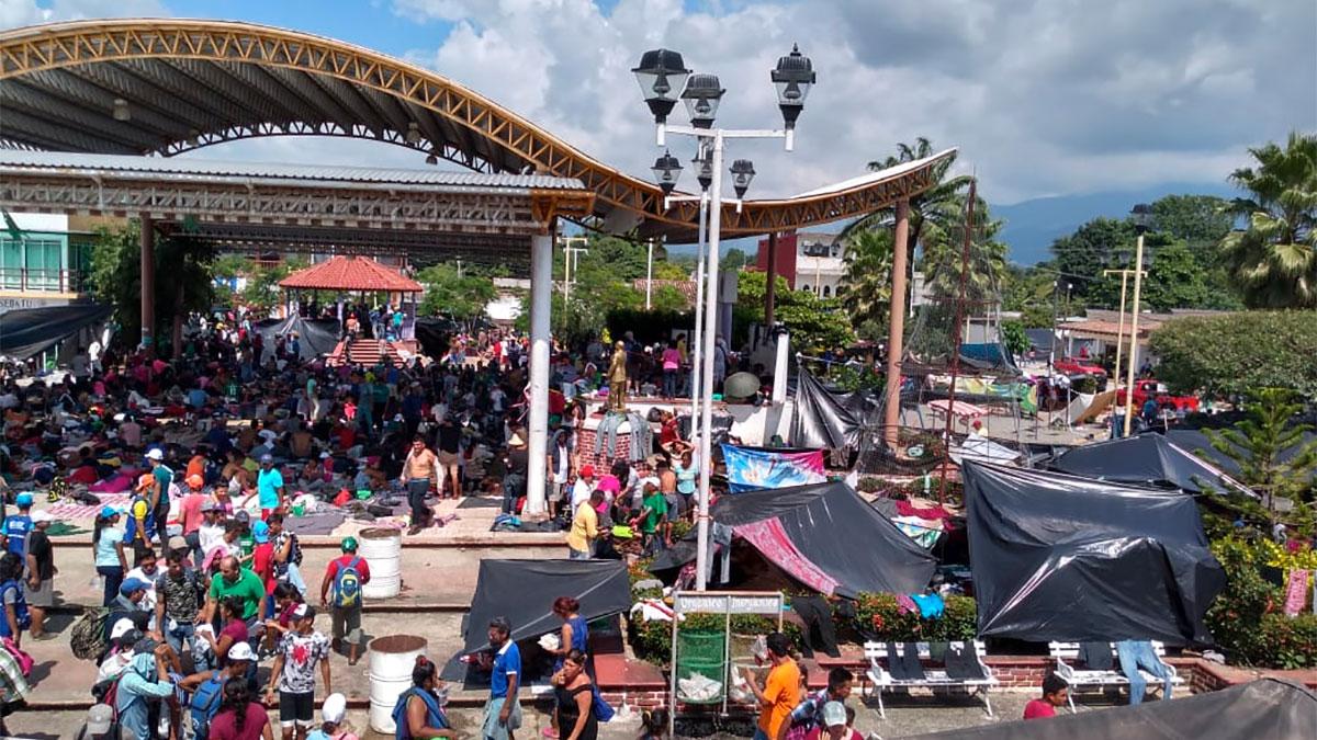 Grupos de migrantes centroamericanos reciben acopio por parte de CADENA.